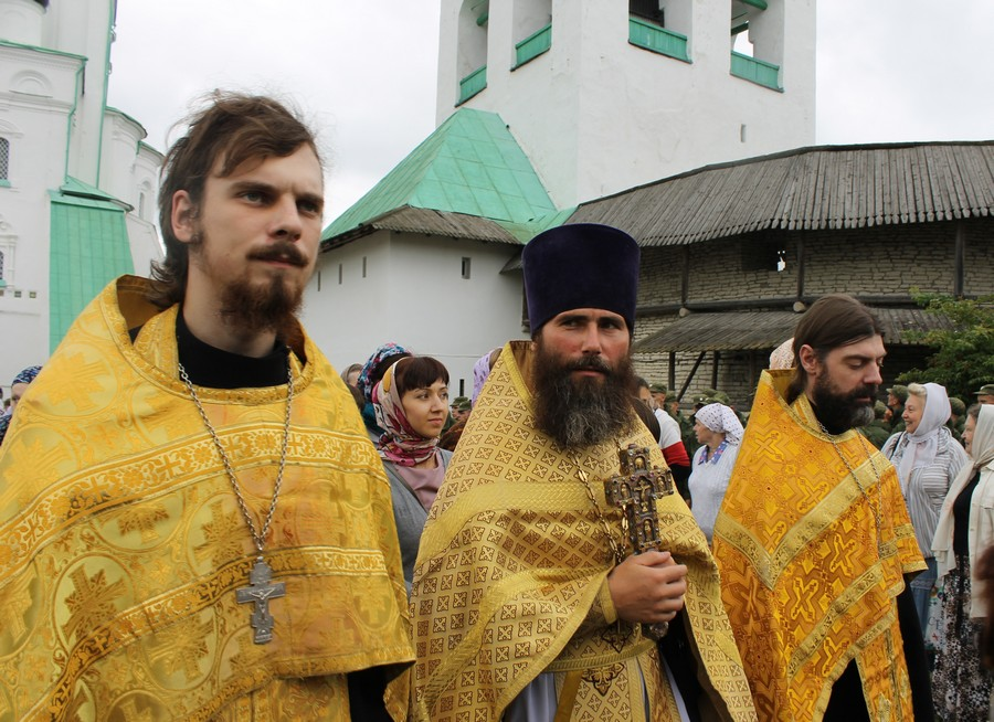 рыболов пушкин церковная